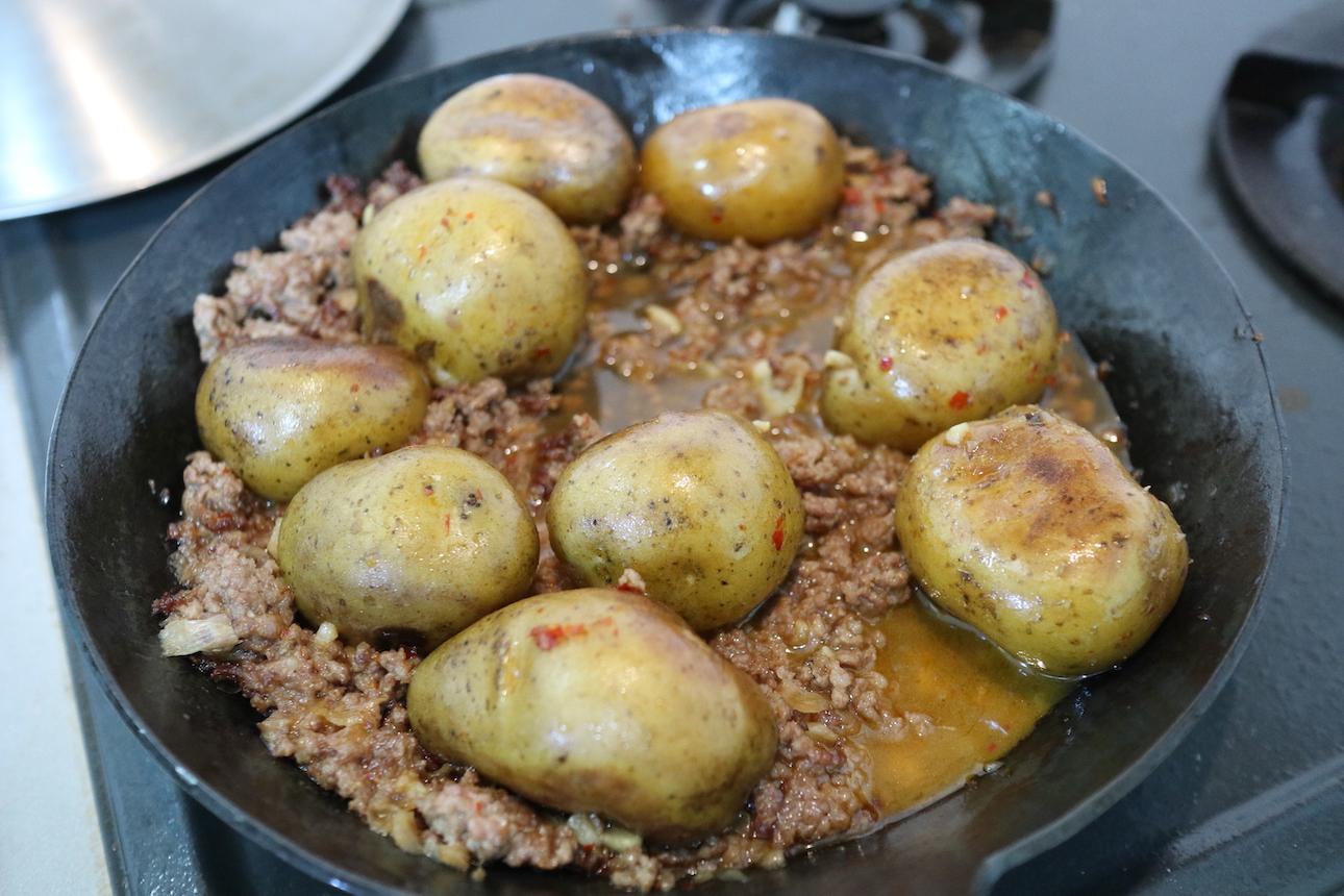 ミニじゃがいもとひき肉の韓国風煮
